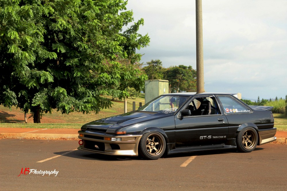 hawaiian-gts-trueno-black-gold-te37v-2doorae86-dot-net